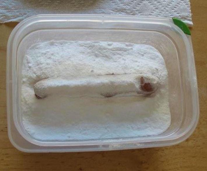 1 Hot Dog in baking soda