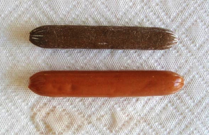 2 two hotdogs side by side