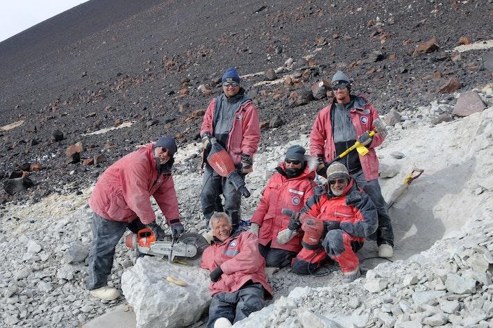 Expedition-Photo-3-team-in-Antarctica-2011